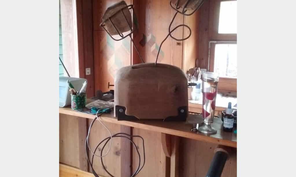 Sculpture Valais - 3e Âge de Fer - Catégorie : Fer et Bois - Titre : Grille-pain des années 50 - Image à la Une