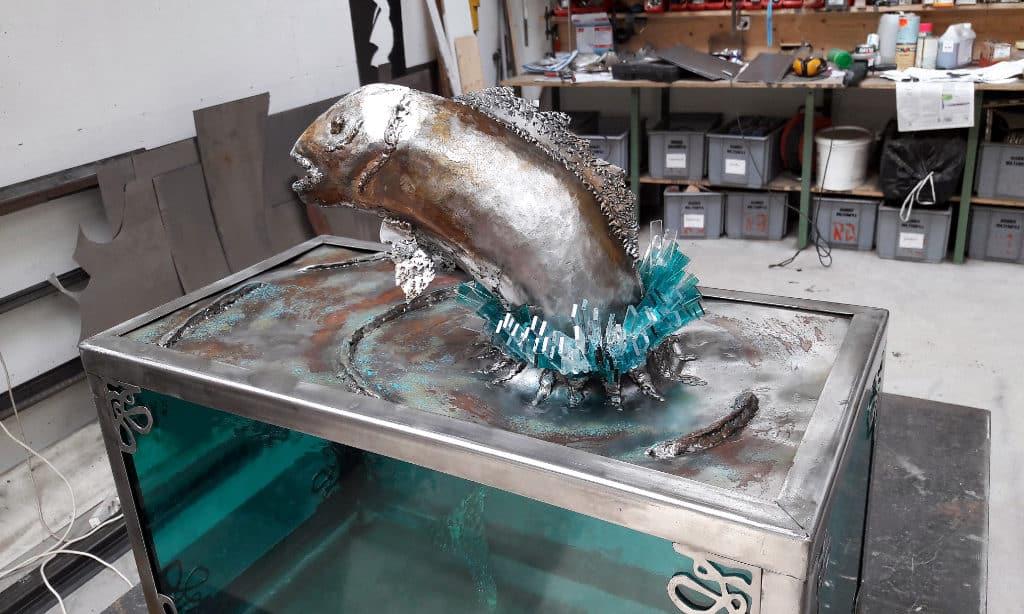 Sculpture Valais - 3e Âge de Fer - Catégorie : Fer et Verre - Titre : Aquarium et poisson - Image à la Une